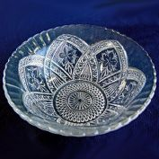 Indiana Glass Flower Medallion EAPG Serving Bowl